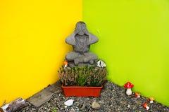 Buda que cobre seus olhos, escultura Fotografia de Stock