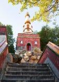 Buda que confirma sua cena da doutrina (Xiangyan Zongyin Zhi Ge) do palácio de verão fotos de stock
