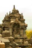 Buda y pequeño Stupas de la isla de Borobudur Java, Indonesia Foto de archivo libre de regalías