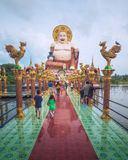 Budai,笑菩萨,在酸值苏梅岛海岛上的Wat Plai Leam寺庙的Chinesse样式,泰国 图库摄影