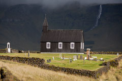 Budakirkja, μια από τις πολλές ισλανδικές εκκλησίες Στοκ φωτογραφίες με δικαίωμα ελεύθερης χρήσης