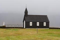 Budakirkja, eine der vielen isländischen Kirchen Stockbilder