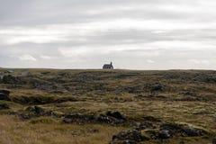 Budakirkja, una delle molte chiese islandesi Fotografia Stock Libera da Diritti