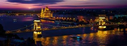 Budapest am Abend Lizenzfreies Stockfoto
