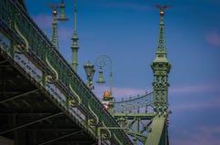 Budapest-Ansicht über die Freiheitsbrücke Stockbilder