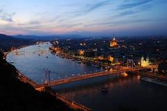 Budapest bis zum Nacht Stockbilder