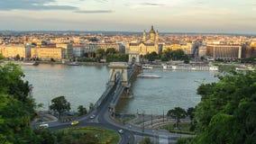 Budapest chain bro på solnedgången Royaltyfri Fotografi