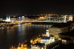 Budapest dans la nuit images libres de droits