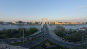Budapest Elisabeth Bridge Sunset almacen de video