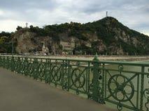 Budapest - Elisabeth Bridge - vista da cume do lado da praga fotos de stock royalty free