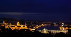 Budapest em a noite Fotos de Stock