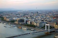 Budapest en la oscuridad Imágenes de archivo libres de regalías
