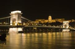 Budapest en noche fotos de archivo