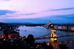 Budapest en soirée Photos stock