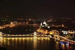 Budapest entro la notte Fotografia Stock