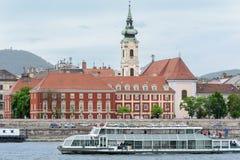 Budapest es un Buda viejo y un parásito elegante que son divididos por el Danubio Orilla derecha - Buda Él es alto y montañoso És fotografía de archivo libre de regalías