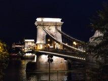 Budapest för Chain bro Ungern fotografering för bildbyråer