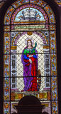 Budapest för helgonCatherine Stained Glass St Stephens domkyrka Ungern Arkivfoto