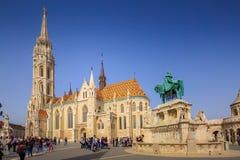 BUDAPEST, HONGRIE - 6 avril : Matthias Church et le monument t Photo stock