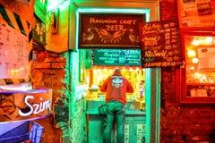 Budapest, Hongrie (bar de ruine de Szimpla) Images stock