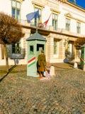 Budapest, Hongrie - 3 janvier 2015 : Garde devant le palais présidentiel, au château royal hongrois, Budapest Photographie stock libre de droits
