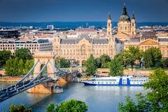 Budapest, Hongrie - pont à chaînes Photos libres de droits