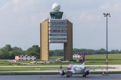 Budapest Hungary światopoglądu lotniskowa wieża kontrolna Fotografia Stock
