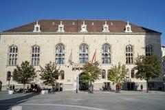 BUDAPEST, HUNGARY/EUROPE - SEPTEMBER 21 : Trinity building in Bu. Dapest Hungary on September 21, 2014. Unidentified people Royalty Free Stock Photos