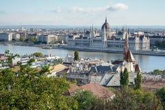 BUDAPEST, HUNGARY/EUROPE - WRZESIEŃ 21: Widok od Fishermans b zdjęcie royalty free