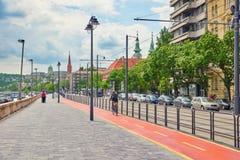 BUDAPEST HUNGARY-MAY 03, 2016: Stads- sikt för härligt landskap Royaltyfria Bilder