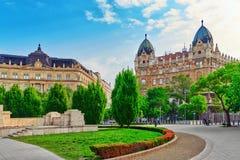 BUDAPEST HUNGARY-MAY 04,2016: Stads- sikt för härligt landskap, stad Arkivfoton