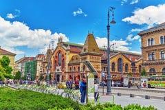 BUDAPEST HUNGARY-MAY 06, 2016: Stor marknad största Hall och nolla Fotografering för Bildbyråer