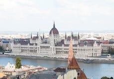 Budapest/Hungary-09 09 18: Węgierska budynku parlamentu Danube rzeka fotografia royalty free