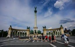 BUDAPEST, HUNGRÍA - AGOSTO DE 2016: Monumento del milenio en el ` Squar de los héroes en Budap fotos de archivo libres de regalías