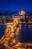 Budapest, Hungría, con el puente de cadena Imágenes de archivo libres de regalías