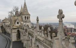 BUDAPEST, HUNGRÍA - 10 DE DICIEMBRE DE 2015: El bastión de los pescadores en Budapest Imagen de archivo