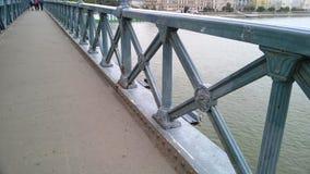Budapest, Hungr?a El puente de cadena Szechenyi Lanchid en Budapest, Hungría foto de archivo