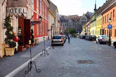 Budapest, Hungria, o 27 de junho de 2014 Olhar urbano típico Picturesq Imagens de Stock Royalty Free