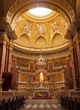 Budapest inre av den Sanka Stephen Basilica Arkivbilder