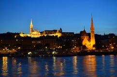 Budapest nachts: Kirchen stockbilder