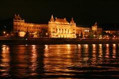 Budapest-Nachtszene vom Fluss Lizenzfreie Stockfotografie