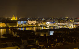 Budapest nattsikt från fiskare bastion Arkivbilder