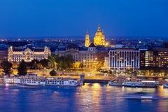 Budapest på natten Fotografering för Bildbyråer