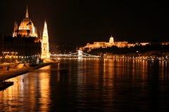Budapest på natten Royaltyfri Fotografi
