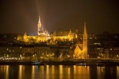 Budapest på natten - bastion för fiskare` s Arkivbilder