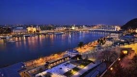 BUDAPEST-PANORAMABLICK AN BLUEHOUR Lizenzfreies Stockbild