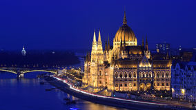 BUDAPEST-PARLAMENT AN BLUEHOUR Lizenzfreie Stockbilder