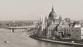 Budapest-Parlament (einfarbig) lizenzfreie stockfotografie