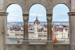 Budapest parlament widzieć od Fishermans bastionu obraz royalty free