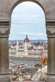 Budapest parlament widzieć od Fishermans bastionu obrazy royalty free